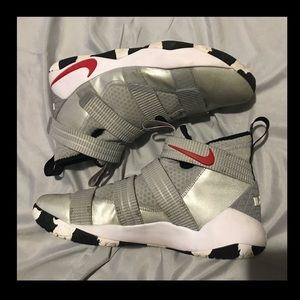 "LeBron Soldier 11 ""Silver Bullet"" size 11"
